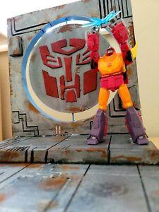 CUSTOM DIORAMA Transformers Autobot Decepticon Masterpiece marvel legends Neca