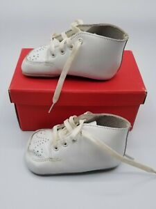 Buster Brown The Cradle Baby Shoes White Vintage with Original Box