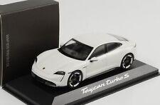 Porsche Taycan turbo S Carraraweiß diecast 1:43 Minichamps WAP