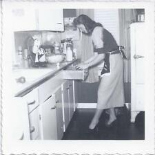 1953 SNAPSHOT PHOTO CARD JOYCE DITTMAR IN KITCHEN IN HEELS LOOKING VALENTINE DAY