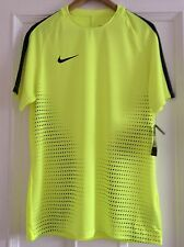 Mens Nike Football Shirt. Dri Fit  Size Large