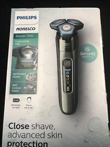 Philips Norelco 7100 Wet and Dry Electric Shaver S7788/82 Brand New Sealed!