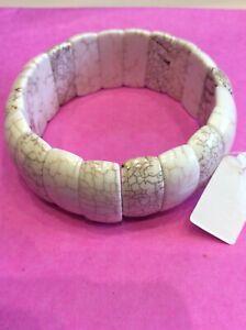 BNWT Stretch Bangle  Cream Patterned Acrylic Stones, Internal Diameter 5.5 cms