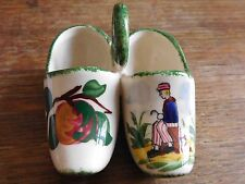 Chaussures miniature faience formant salerons Gabriel Fourmaintraux Desvres
