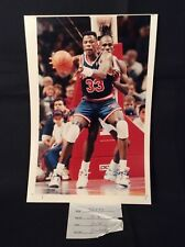Vtg 1992 Press Photo Detroit Pistons vs HOF PATRICK EWING New York Knicks