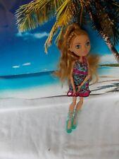 Barbie Puppe, mit türkisbunten Kleid,lange dunkelblonde Haare