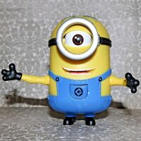 """DESPICABLE ME MINION ONE EYE STUART ARTICULATED ARMS EYE AND MOUTH OPEN CLOSE 5"""""""