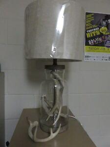 Antler Design Lamp.  Man cave/office/cabin.  MT Antler Products.  NEW 2018 item!
