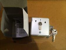 Interruptor de llave de Persiana / puerta de garaje IP54 32 Amp