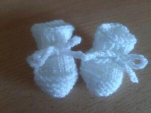 Puppenschuhe   4 cm weiß  Puppe 30-34 cm gestrickt
