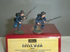 BRITAINS 31007 UNION INFANTRY IRON BRIGADE CHARGING METAL TOY SOLDIER SET 1