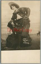 """Cowgirl Studio Photo """"THE QUEEN OF ROPERS"""" 1910'S RPPC Postcard"""
