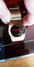 VINTAGE RARE RED LED  DIGITAL HELBROS WATCH RUNS MADE IN USA. WORKS !