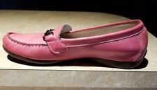 Munro pink leather loafers