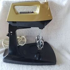 Vintage 1972 Sunbeam Mixmaster M-12 12 Speed Avacado No Bowl Stand Mixer