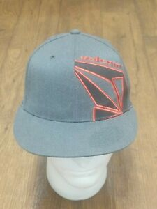 Volcom Fitted Hat 210 Flexfit Sz 6 7/8-7 1/4 Gray and Red Pre-Owned Clean