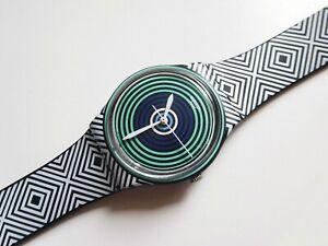 Swatch 2014 GB280 GREEN SPELL watch 🌀 bullseye Op Art lines graphic design 34mm