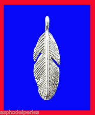 5 pendentifs breloques plume en argent tibétain  9 x 30 mm