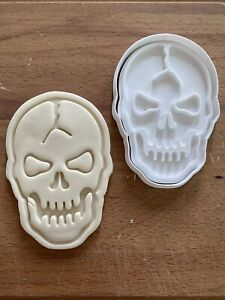 Skull (2) Cookie Cutter Halloween