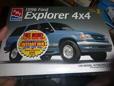 AMT 8968 1996 FORD EXPLORER 1/25 MODEL CAR MOUNTAIN KIT FS