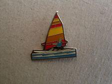 Surfer - Pin. Surfer in Aktion!  Toller Pin für den Freund des Surfens.