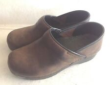 Ladies Brown Professional Dansko Clogs Shoes Size 37 7