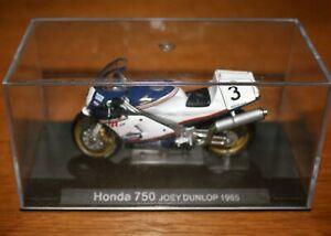 JOEY DUNLOP HONDA RVF750 1985 1:24 IXO Motorbike - Rare
