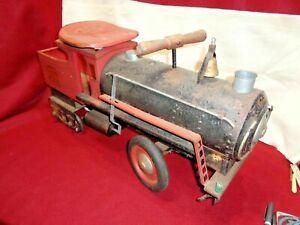 Vintage Pressed Steel Keystone RR 6400 6 Wheel Ride on Train Locomotive