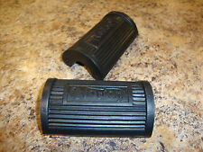 NORTON FOOTREST,FOOTPEG RUBBERS (PAIR) BICYCLE TYPE WITH LOGO, A2/507 04-0370