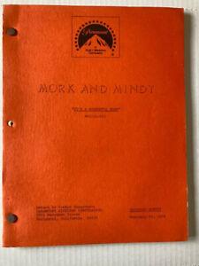 Mork and Mindy 1979 script It's a Wonderful Mork shooting script orange cover