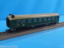 Marklin 4007  346/1 BS DB Schürzenwagen Express Coach Green with Closing Lights