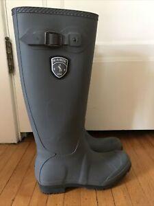 Kamik Women's Jennifer Rain Boots Size 8.
