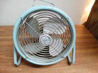 """Vintage Retro Frigid mid modern Floor Fan 12""""   turquoise 1960s"""