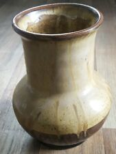 Brown Hand thrown Earthenware Vase, Studio Pottery marked JR JONEZ (Jones) 1977