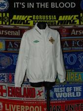 5/5 Northern Ireland boys 9 years 134cm football top training jacket