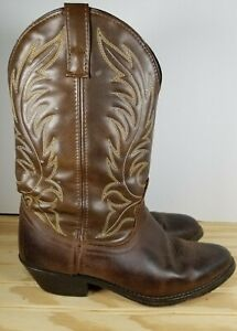 Laredo Womans 5742 Brown Leather Cowgirl Western Boots Pull On Almond Toe Sz 7M