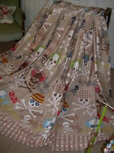 """Pirate Curtains by Kids Club.+tiebacks. 64""""w x 72"""" L. Lined. Excellent/clean."""