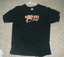 Hooters'  Las Vegas T-Shirt 2006 Men's Large Used