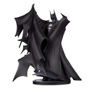 BATMAN DC COLLECTIBLES BLACK & WHITE: BY TODD MCFARLANE DELUXE STATUE 2.0