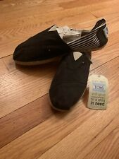 New Toms Mens Size US 11 EU 44 Classic Brown On Canvas Slip On Casual Shoes