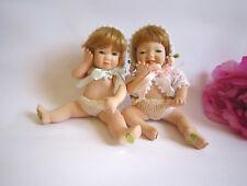 Lot de 2 Porcelaine Bébé Poupées par Seymour Mann. LTD. ED. BELLES.