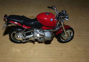 Maisto 1:18 BMW 1100 R Motorcycle Model