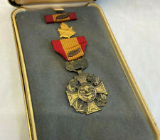 Vietnam Cross Of Gallantry With Palm Leaf Valor Award Medal Military