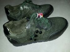 Xti Girls shoes. UK 1,  EU 33 army green  sparkly Lace Up Trainers - BNWT