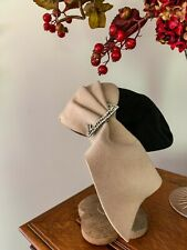 Vintage 1940s Black & Beige Felt Juliet Cap Calot Fall Hat-Rhinestone by Janet