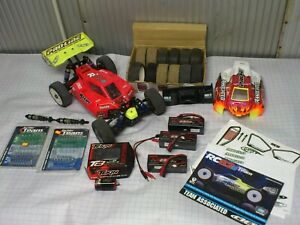 Voiture buggy RC8.2E Team Associated 1/8 Brushless + 3 accus lipo, moteur, roues