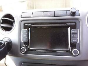 VOLKSWAGEN AMAROK STEREO/HEAD UNIT TOUCH SCREEN CD PLAYER (RCD510), 2H, 12/10-