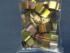 PACKET OF 25 NEW GENUINE HOLDEN WIRING HARNESS CLIPS SUIT HQ-WB LH-LX HOLDENS