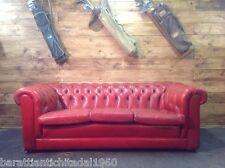 Divano Chesterfield 3 Posti Vintage Originale Inglese in Pelle Rosso