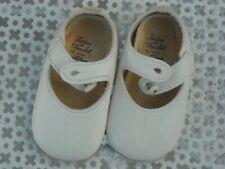 Chaussures bébé pour grande poupée